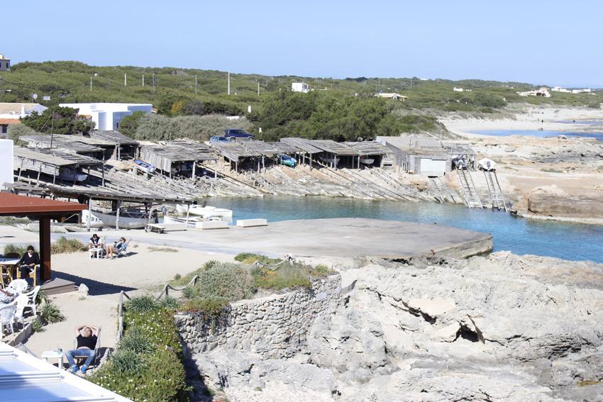Puerto de Es Caló de Sant Agustí, usado en la actualidad por los pescadores de la zona.