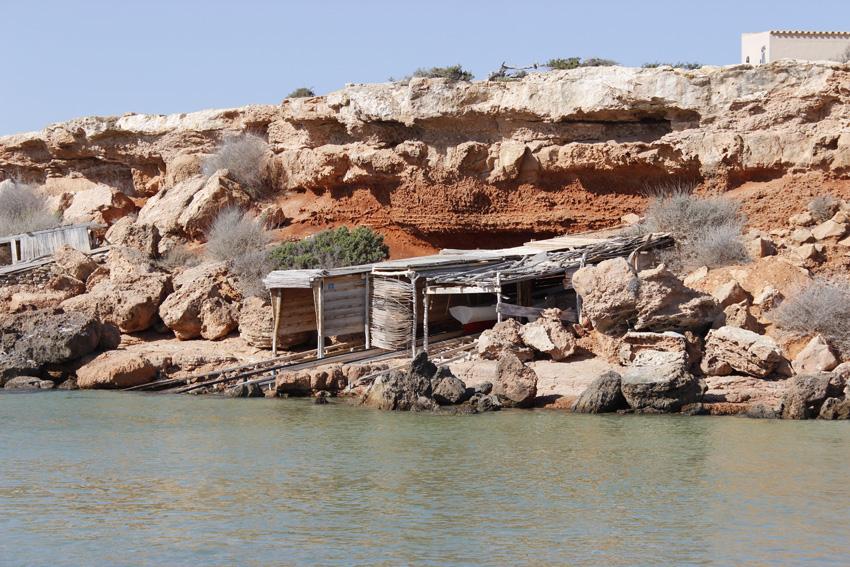 Una de las casetas de pescadores que se encuentran en la playa.